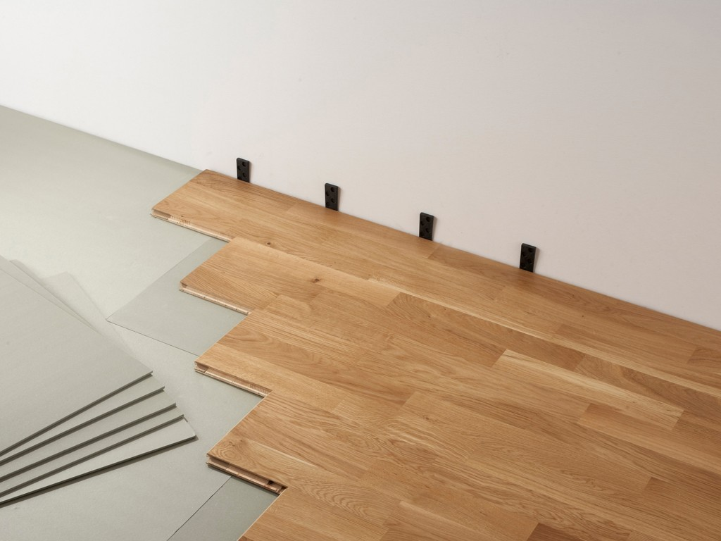 Comment bien choisir son parquet step into the lights for Pose de parquet stratifie a clipser